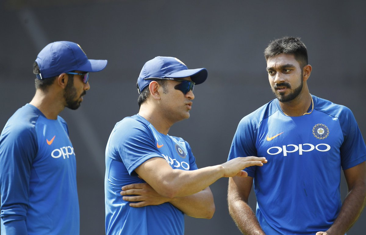 Indian players discuss ahead of the first T20I against Australia. (Image: Twitter @BCCI)