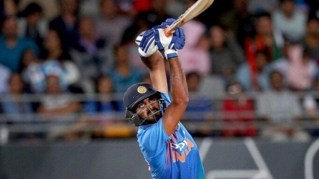 Vijay Shankar plays a shot in the third T20I versus New Zealand. (Image: Twitter)