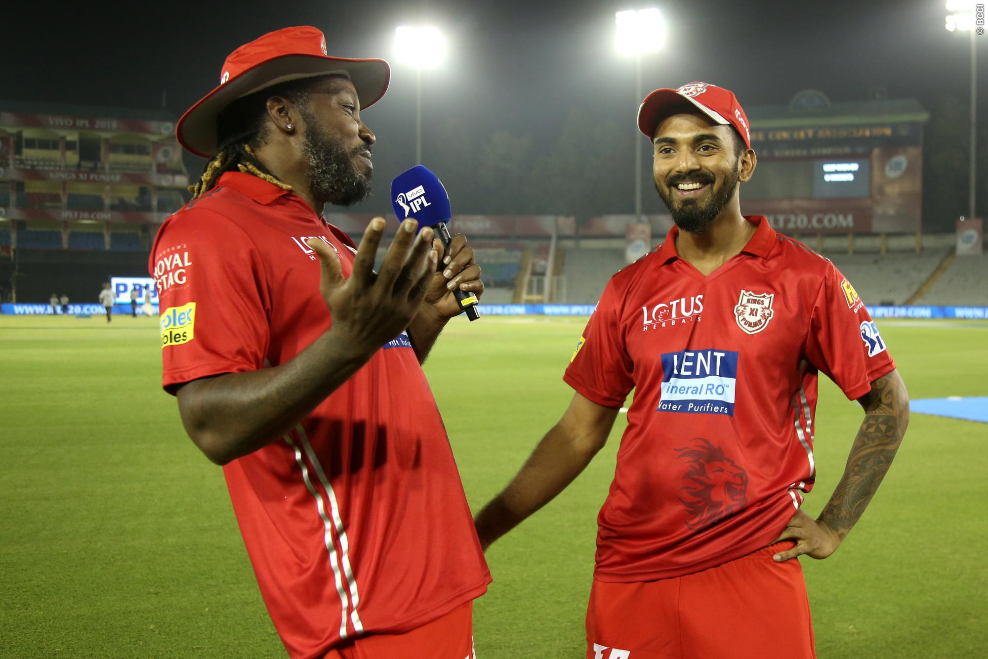 Chris Gayle and KL Rahul share a light moment during IPL 11. (Image: IPLT20.com)