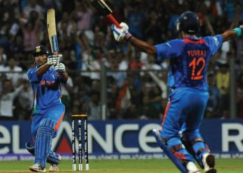 Dhoni finished it off with a six in 2011 World Cup