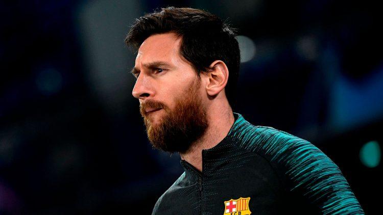 Lionel Messi stays at Barcelona